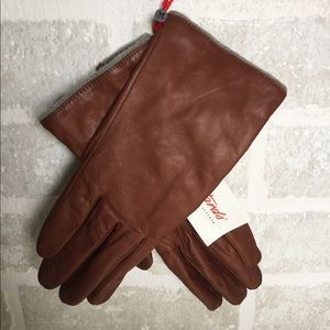 Soft leather NWT brown Pittards gloves size 7.5